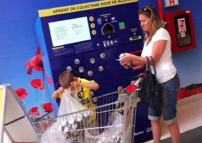 si-mama-recicleaza-o-campanie-can-pack-recycling