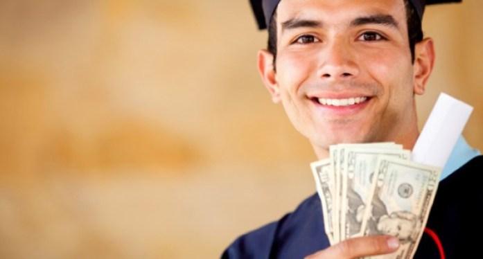 studenti cu bani