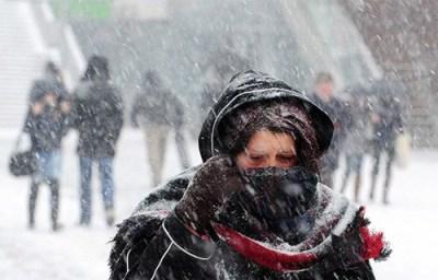 """Avertisment de la Ministerul Sănătăţii: """"Evitați deplasările şi expunerea prelungită la frig, în contextul temperaturilor săzute"""""""