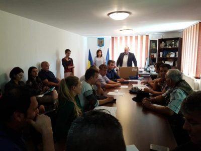 Felicitări în Cnsiliu local și premiu pentru eleva de zece a orașului Petrila: Damaris Ilie