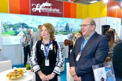 Cine a vizitat standul județului Hunedoara în prima zi a Târgului de Turism al României