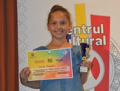 Delia Maria Stana, o altă voce de aur a Văii Jiului care confirmă în marile festivaluri ale muzicii pentru copii din România