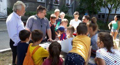 Copiii din centrul vechi al Vulcanului își dezvoltă prin joacă, spiritul civic