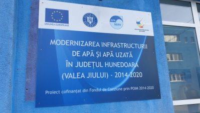 """Apa Serv Valea Jiului SA semnează noi contracte de lucrări în cadrul proiectului """"Modernizarea infrastructurii de apă și apă uzată în județul Hunedoara  (Valea Jiului) 2014 - 2020"""", anume """"REABILITARE ADUCȚIUNE, REȚELE DE APĂ ȘI CANALIZARE  ÎN UAT ANINOASA ȘI UAT VULCAN"""": Lot 1: VJ-CL-07 """"Reabilitarea rețelelor de apă și canalizare Aninoasa și a aducțiunii Morișoara"""""""
