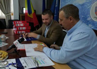 Două noi contracte de lucrări pentru reabilitări de aducțiuni și rețele de apă și canalizare, semnate de Apa Serv