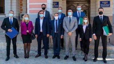 Dacian Ciodaru și Sorin Marica deschid listele Pro România pentru Parlament
