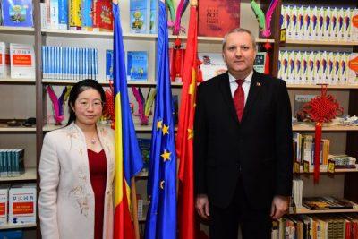 Cursuri de limba chineză la Biblioteca județeană din Deva