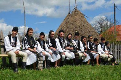 """La Petroșani, la început de octombrie, se sună """"Adunarea Momârlanilor"""""""