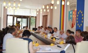 Consilierii locali s-au întrunit în prima ședință