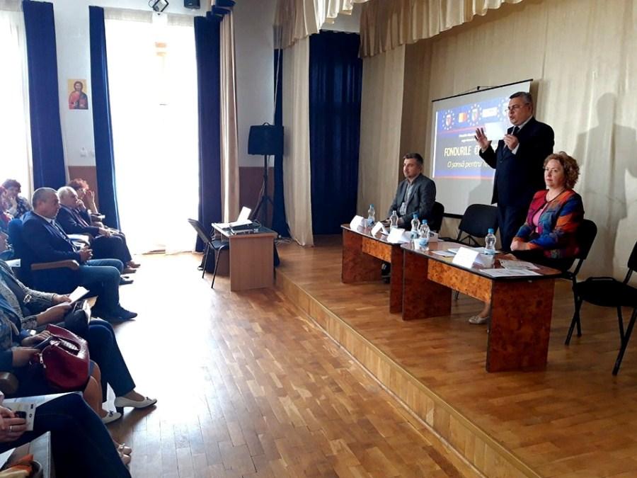 Campanie electorală comisă de primar, în timpul programului