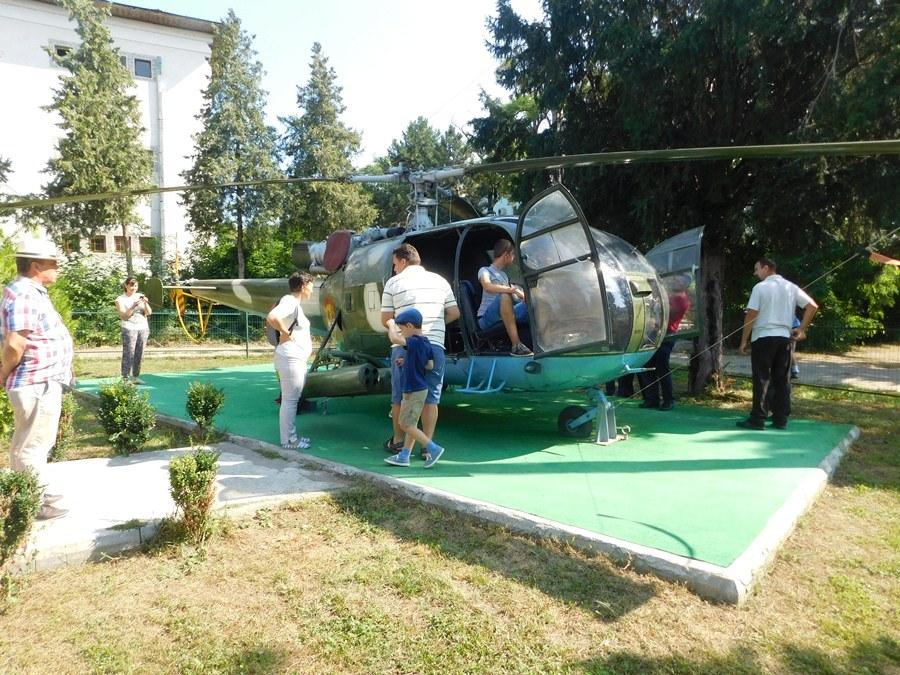Ziua Aviației Române sărbătorită cu fast și voie bună la Tecuci