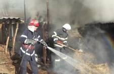 78 misiuni pentru pompierii militari, la final de săptămână; opt pentru transportul persoanelor suspecte/infectate cu COVID-19