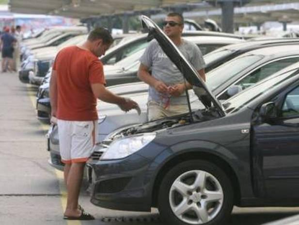 Imagini pentru Ce amenzi riscă cumpărătorii maşinilor la mâna a doua care nu anunţă tranzacţiile