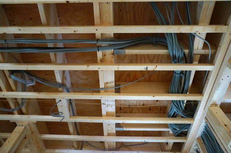 電気工事 屋根