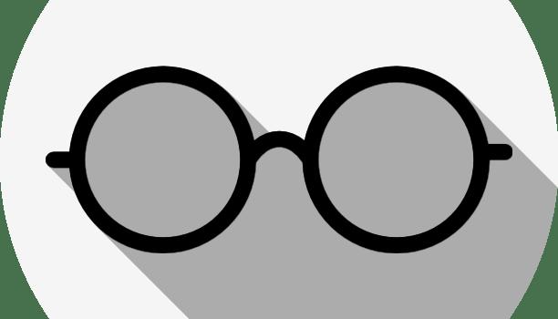 眼鏡の「JINS」。半年以内で2回まで交換無料で安心。