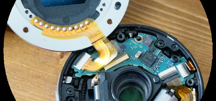 カメラのレンズが故障したので、自分で修理を試してみる。