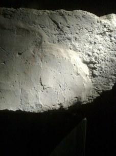"""Wykopaliska archeologiczne odsłoniły również pewne """"rysunki"""" tam wykonane. Na zdj. prawdopodobnie św. Jan Chrzciciel."""