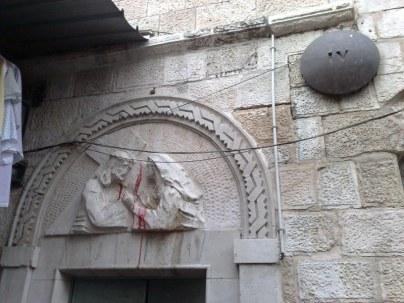 IV stacja: Jezus z Matką. Obecnie już nie istnieje, została wybudowana przez żołnierzy Andersa, lecz ostatnimi czasy przeniesiona do kościoła Armenów katolików.