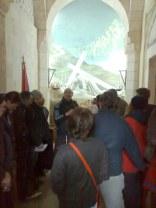 III stacja Drogi Krzyżowej znajduje się w miejscu skrzyżowania drogi głównej (cardo) z boczną. W czasach pochrystusowych powstała tutaj łaźnia nawadniana przy pomocy akweduktu górnego z Betlejem.
