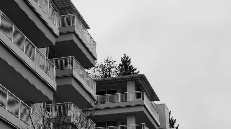 grayscale photo of school building