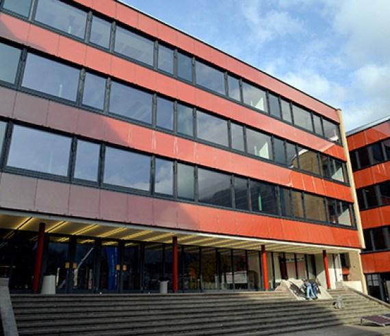 Kantonsschule Glarus - Bild von jhuber auf Glarus24.ch