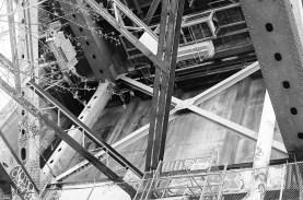 16-12-eastvan-35mm-under-bridge