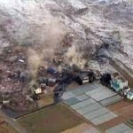 Tsunami melanda Pantai Barat Anyer, Indonesia, sekurang-kurangnya 20 terkorban