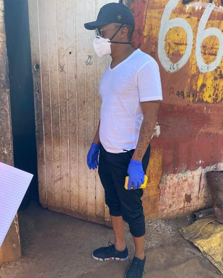 Somizi and Mohale feed families in need during the lockdown