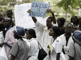 Mugabe gives ultimatum over bonuses