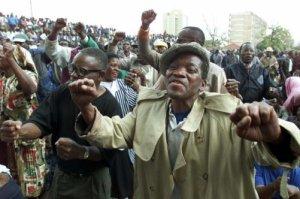 Mugabe in new war vets fight