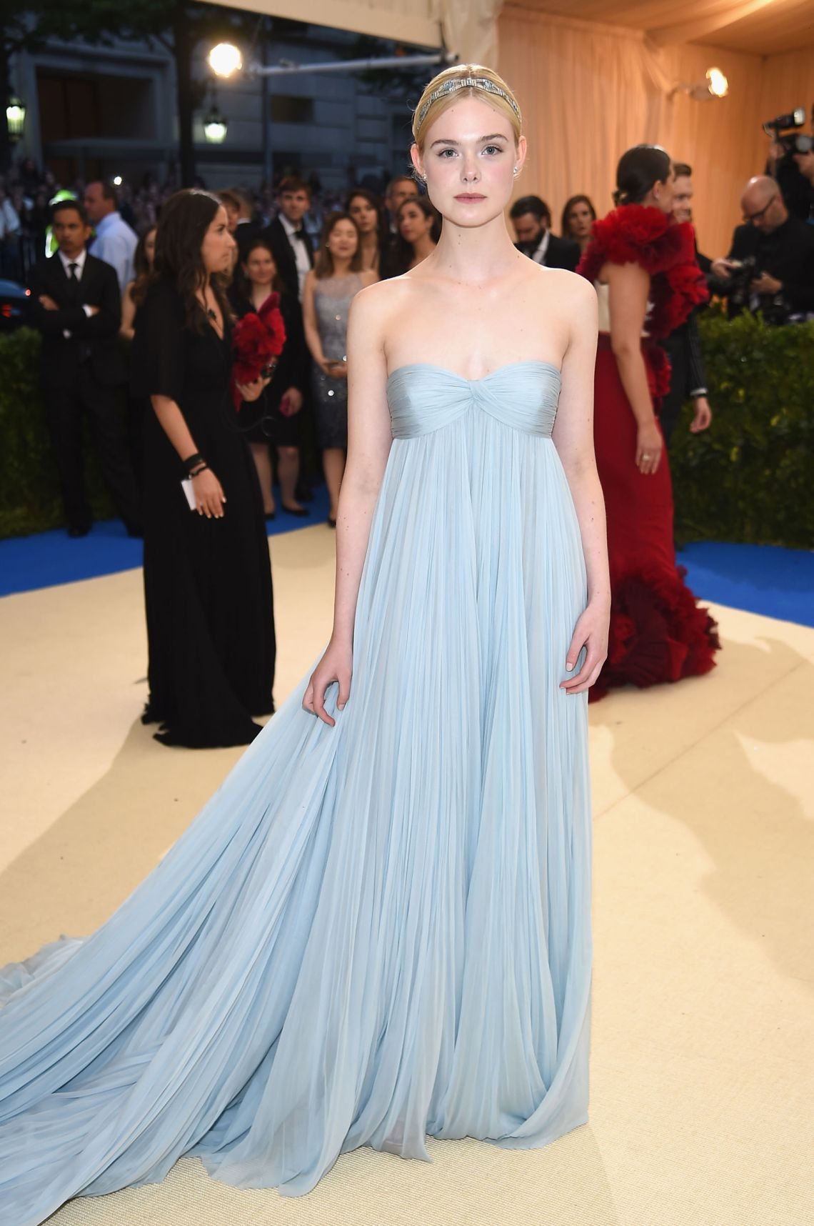 elle-fanning-met-gala-dress-2017