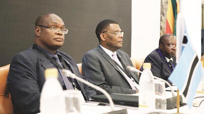 ZIM GETS 600MILLION BOOST FROM BOTSWANA