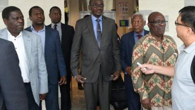 Photo of Mohadi, Bimha In Singapore To Carry Mugabe's Body