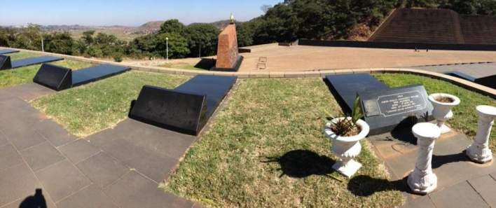 Mugabe Family Resisting Move To Have Former President Mugabe Buried At Heroes Acre
