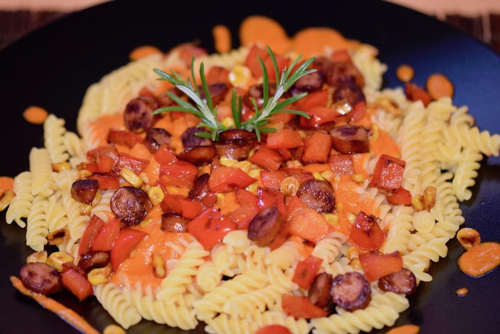 Pasta - Nudeln - Paprikasauce - Paprika - Sauce - Kabanossi - Cabanossi - Mais - Rezept - einfach - schnell - frische Paprika - Gemüse - Soße -glutenfrei - milchfrei