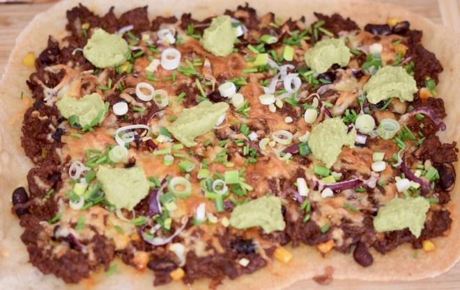 Rezepte: Hauptgerichte: Pizza Messicana - ganze Pizza rechteckig
