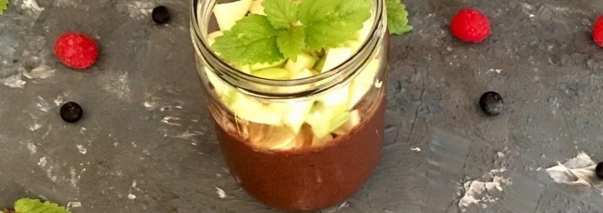 smoothie - beeren - chufas - zitronenmelisse - smoothiebowl - gesund - abnehmen - frühstück - schnellundleicht - rezept - apfel - chia - vegan