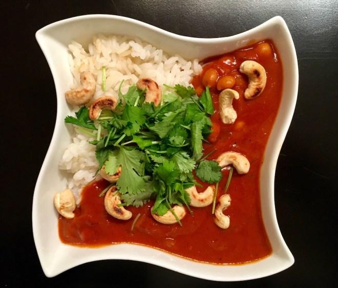 chickpeatikkamasalavegan - chickpeatikkamasala - tikkamasala - chickentikkamasala - indischeküche - herbstküche - urlaubsküche - vegan - rezept - sauce - tomatensauce
