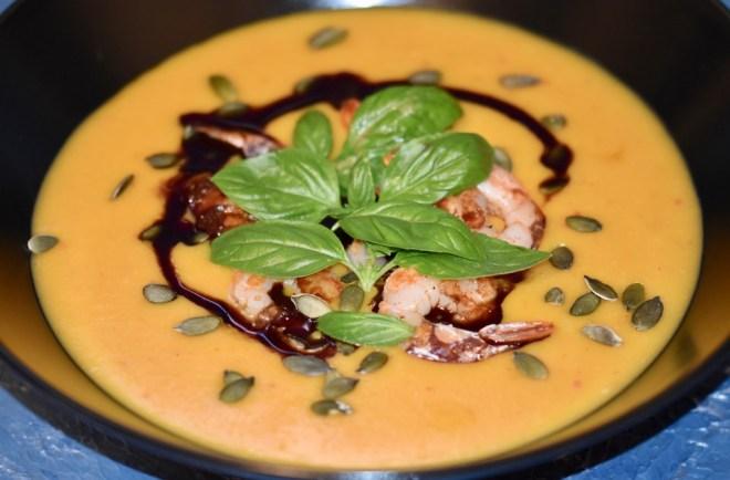 Kürbissuppe - Kürbis - asiatisch - Scampi - Kokosmilch - ohne Milchprodukte - Ingwer - Rezept - einfach - Ofen