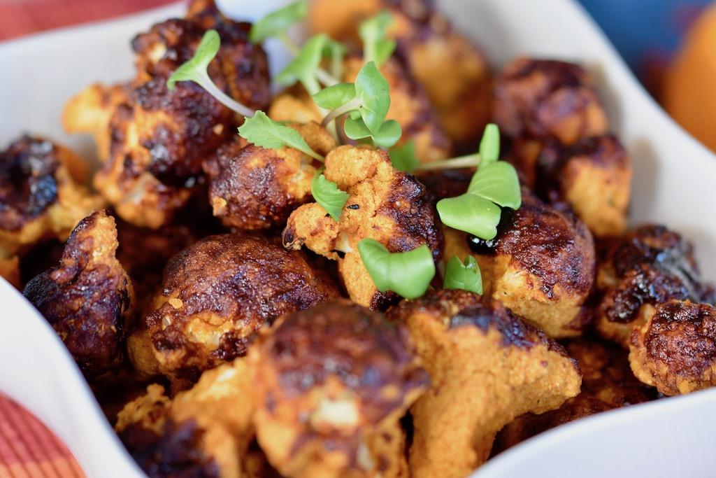 Blumenkohl-Wings - vegane Chicken Wings - Barbecue-Blumenkohl-Wings - vegan - glutenfrei - Rezept - gebacken - Ofen - knusprig - gebackener Blumenkohl - Blumenkohl Snack - einfach