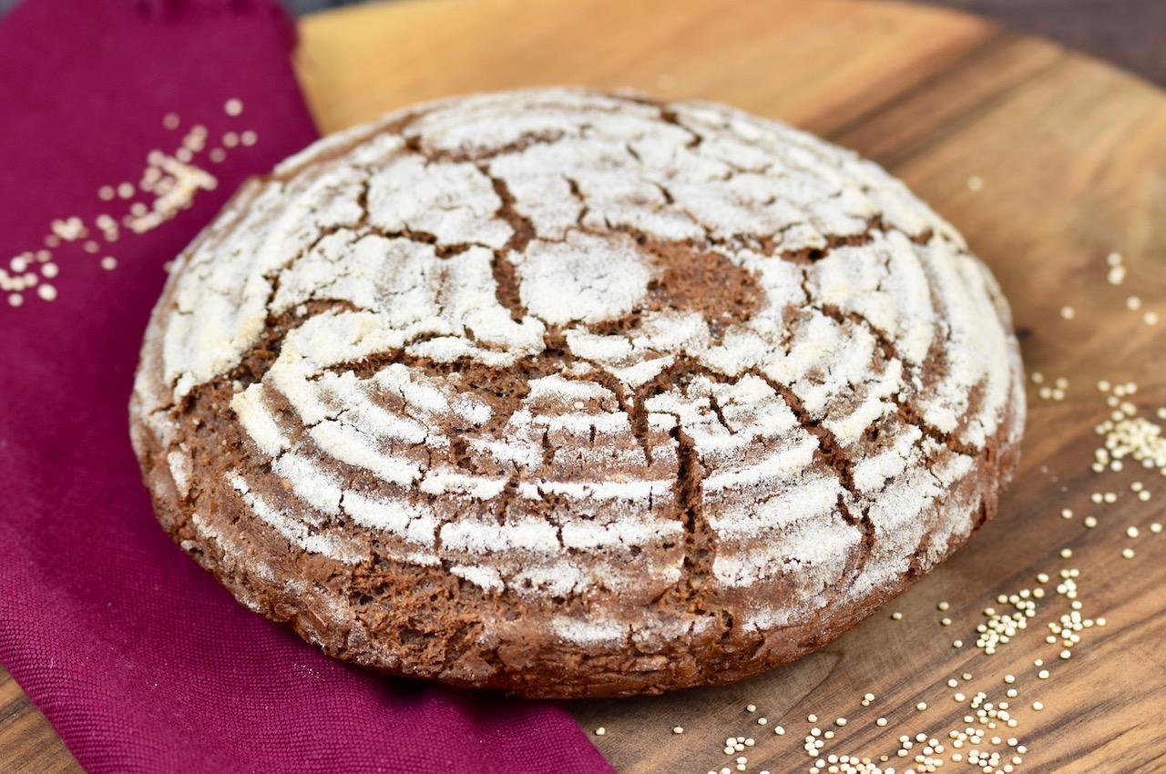 Glutenfreies Krustenbrot backen – Rezept mit Sauerteig
