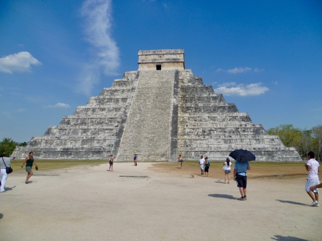 "Stufenpyramide ""El Castillo"" in Chichén Itzá - Mexiko"