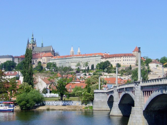 Blick auf Prag mit Veitsdom - Tschechien