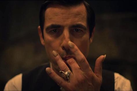 Fotograma de la miniserie Drácula, de Netflix