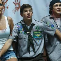 Zombie Camp (2015) - tetas y hormonas
