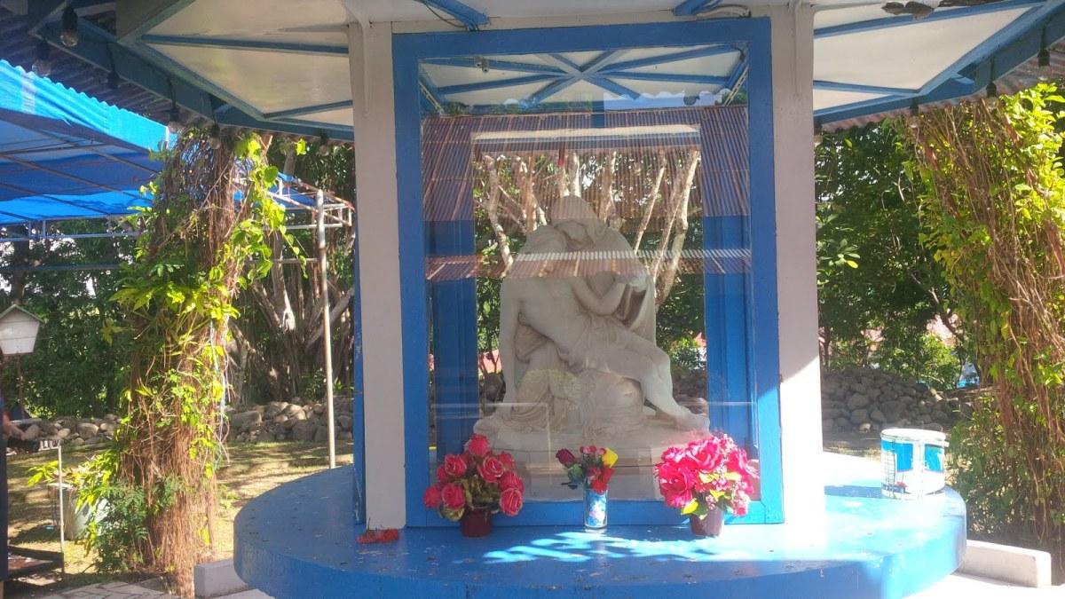 Patung Bunda Maria Vatikan di Indonesia