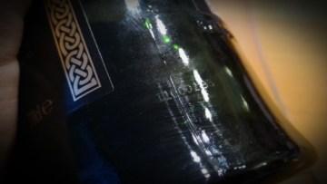 """Dwie pierwsze cyfry kodu oznaczają rok butelkowania - w tym przypadku """"11"""" oznacza rok 2011."""