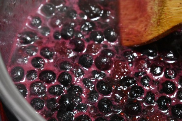 Berry Syrup Cooking