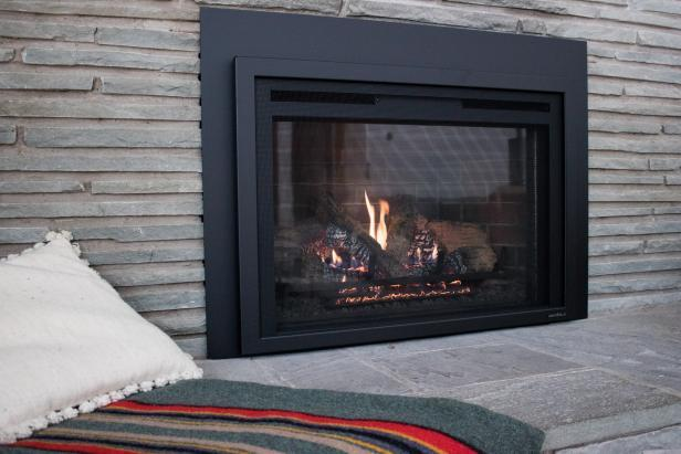 tips for selling your home in the fall and winter - Fire Place
