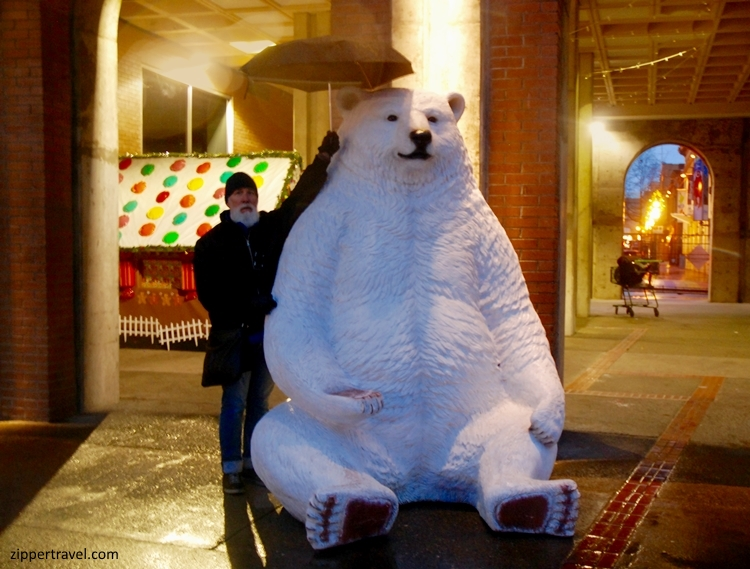 steve-polar-bear-sculpture-victoria-bc